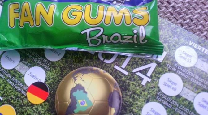 Gummibärchen auf einer WM-Tabelle